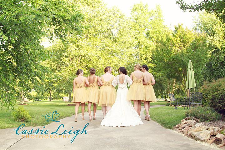bride-walkaway
