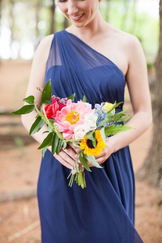 destarteweddingbarn_bride_flowers