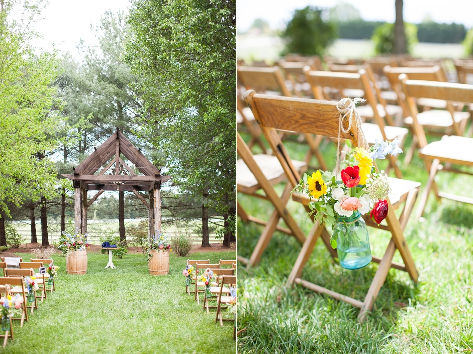 destarteweddingbarn_ceremony-vintagewoodchairs